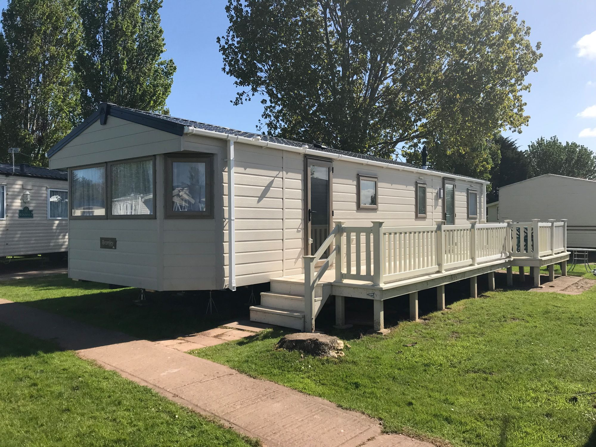 4 bedroom 8 to 10 berth caravan