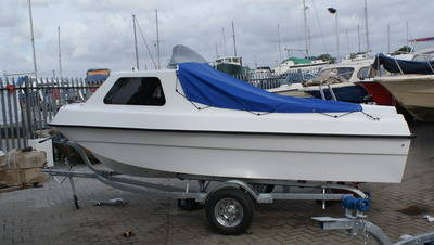 bayhunter 460 2010 tohatsu 30 efi 4stroke and trailer