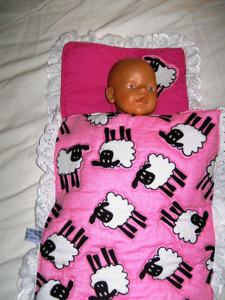 Dolls quilted bedding set in pink