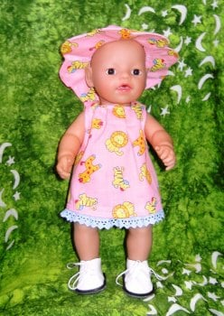Doll's clothes for 12 inch high baby dolls
