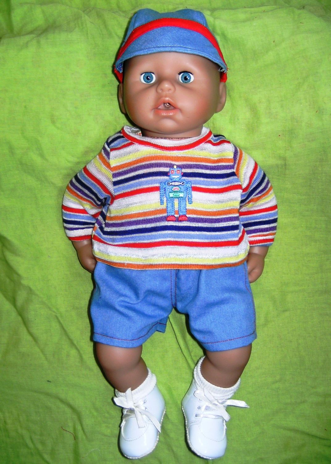 Doll's shorts suit made to fit the 18 inch high george doll