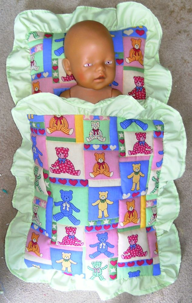Doll's bedding/ Doll's pram set