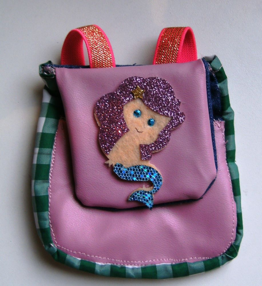 Doll's backpack (fits all dolls)