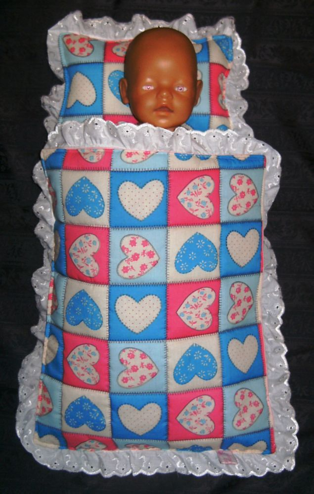 <!--065--> Dolls cot and pram covers