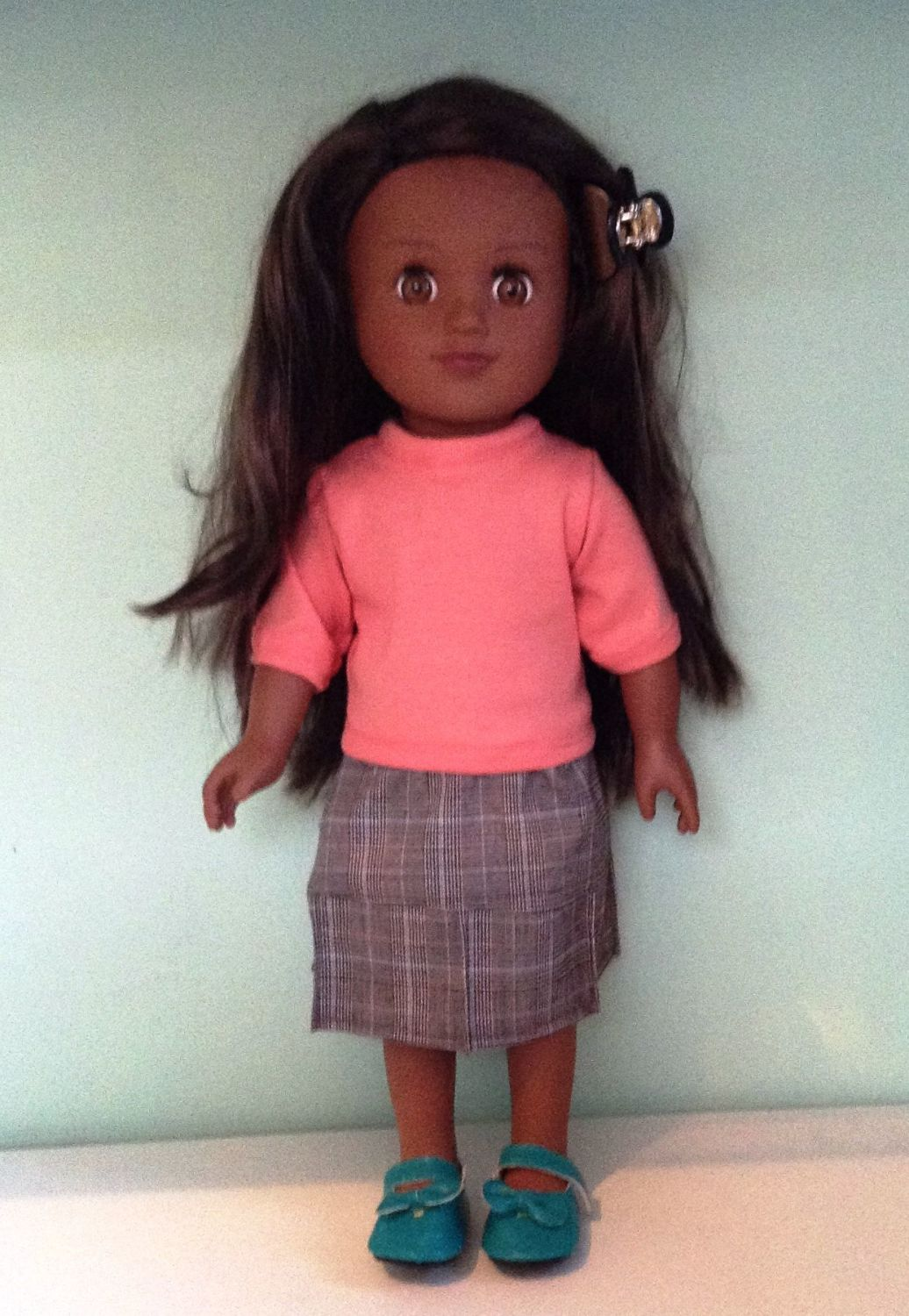 Doll's skirt and t shirt made to fit the 18 inch high Sindy doll and others