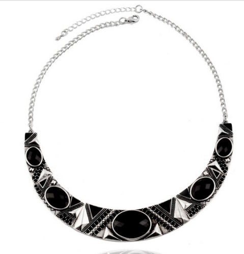 Vintage Style Black & Silver Statement Necklace