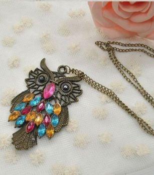 Owl Pendant Necklace in Bronze