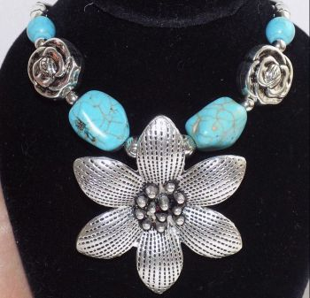 Turquoise Tibetan Silver Flower Pendant Necklace