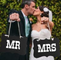 Wedding Day Photo Prop (Mr and Mrs)