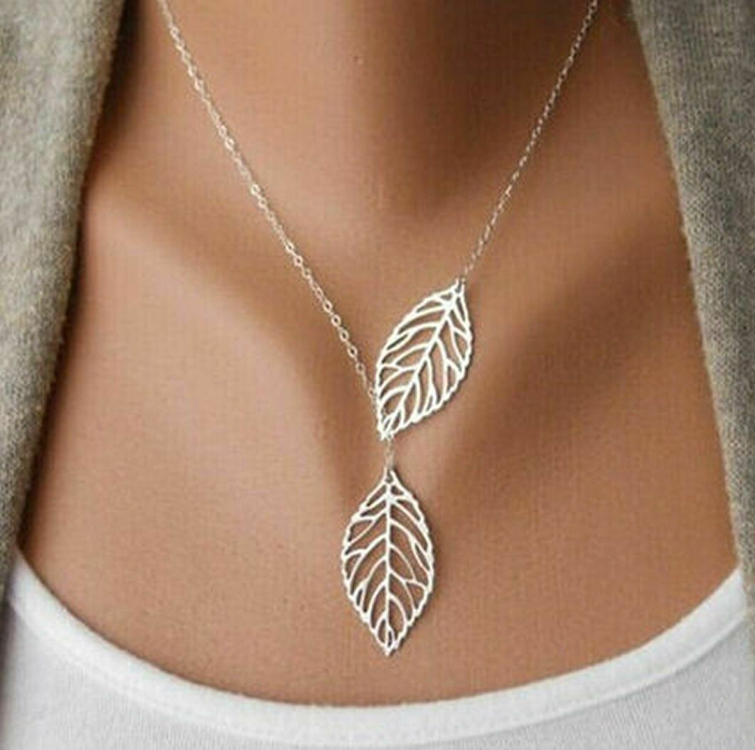 Double Leaf Pendant Necklace in Silver