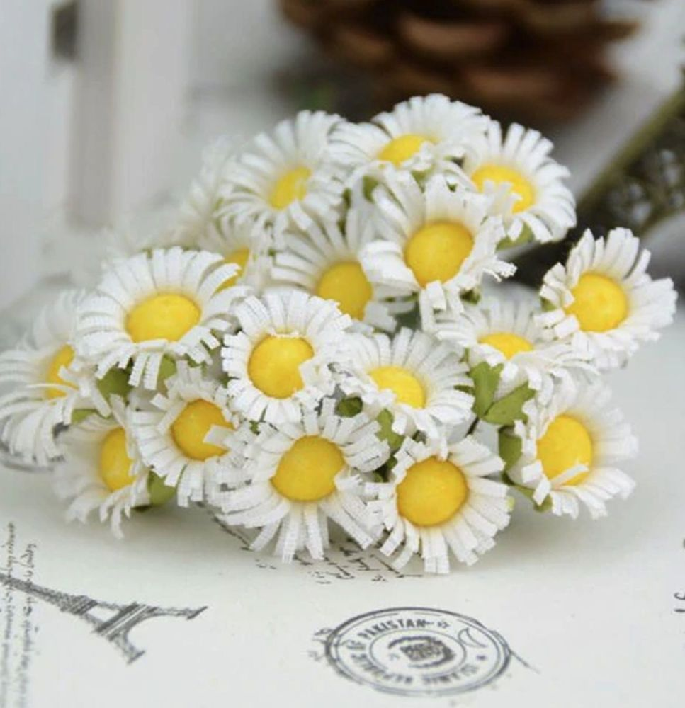 Artificial Daisy Flowers - White