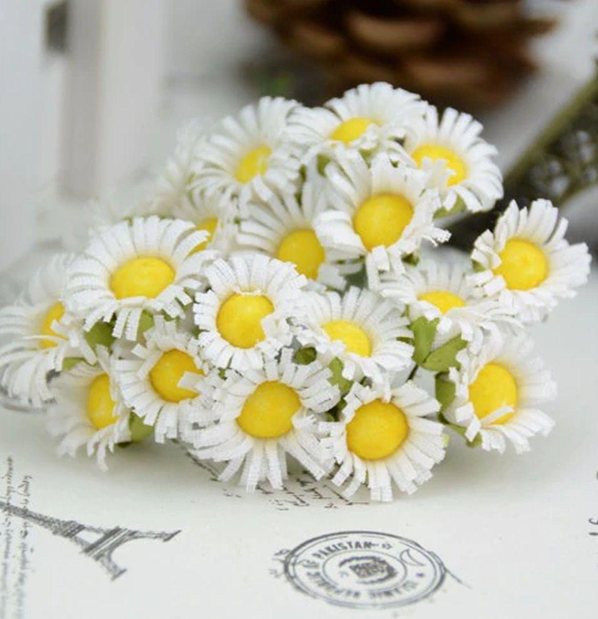 Artificial daisies floral flower craft embellishments.jpg