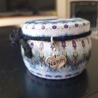 Nanny Scented Candle a Pretty Tin