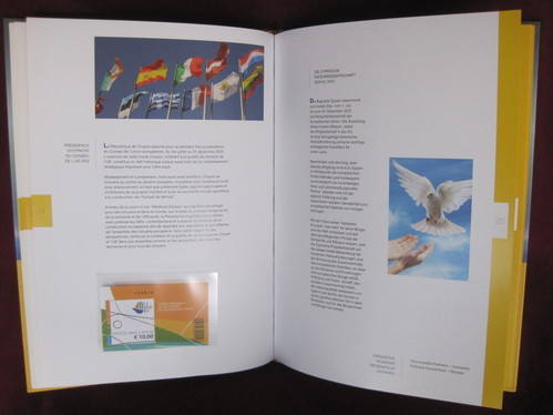 2012 Cyprus stamps Year Pack Book (2)