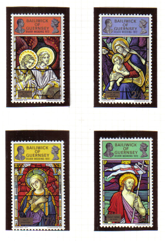 Guernsey Stamps 1972 Royal Silver Wedding on Christmas stamps - MINT (z617)
