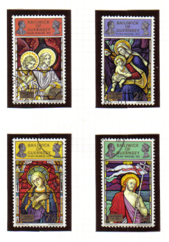 Guernsey Stamps 1972 Royal Silver Wedding on Christmas stamps - USED (z618)