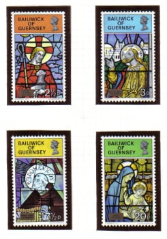 Guernsey Stamps 1973 Christmas - MINT (z613)