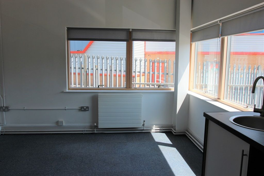 Rent serviced office Brighton