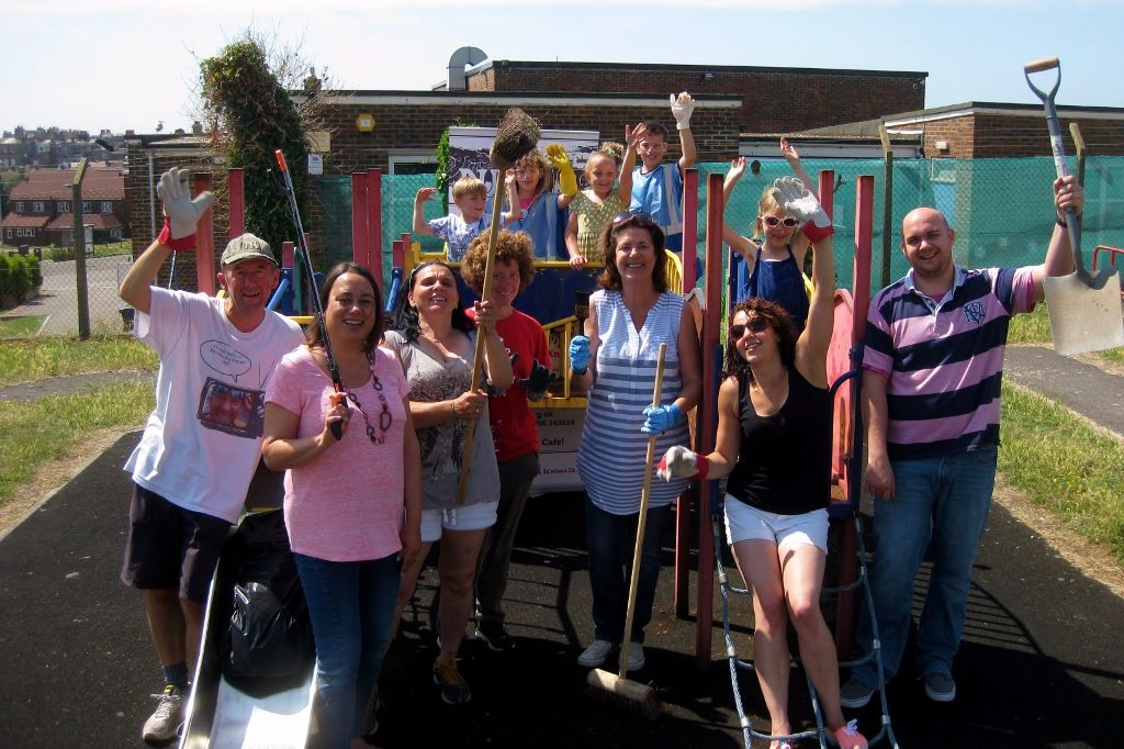 Manor Road Playground Clean Up