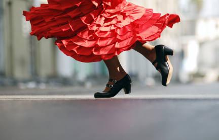 B_Madrid_Hero_Flamenco_dancer-iStock_000010419841XSmall