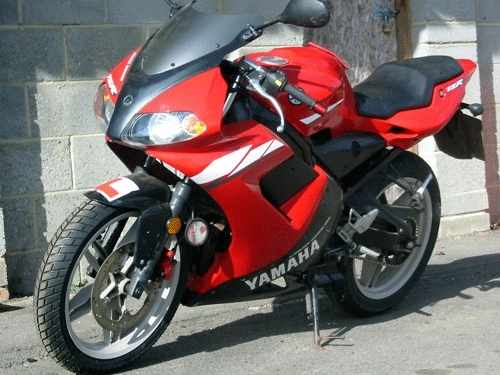 50cc learner legal mopeds motorcycles for sale and purchased in sussex kent london all motorbikes. Black Bedroom Furniture Sets. Home Design Ideas