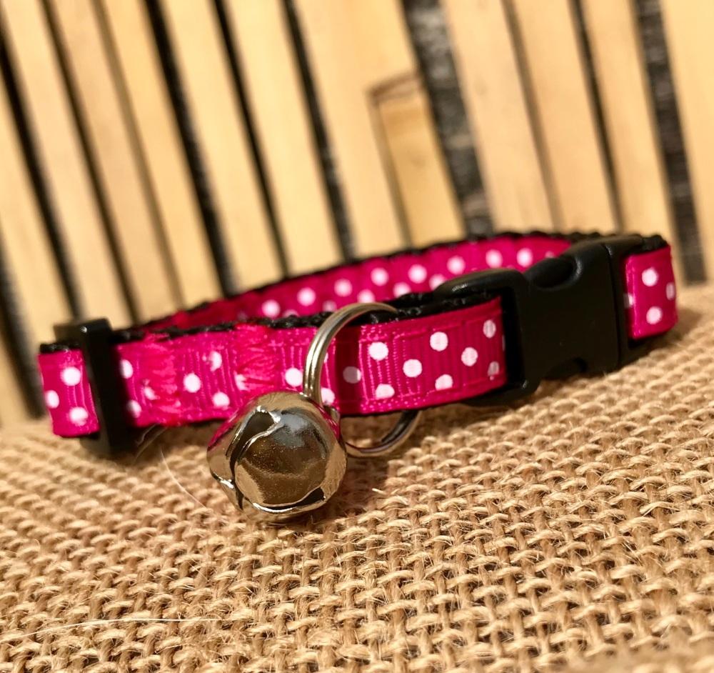 Bright pink polka dot cat collar