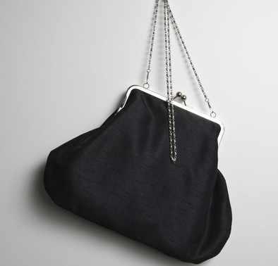 Pure Kiss Lock Frame Prom Bag  - Black