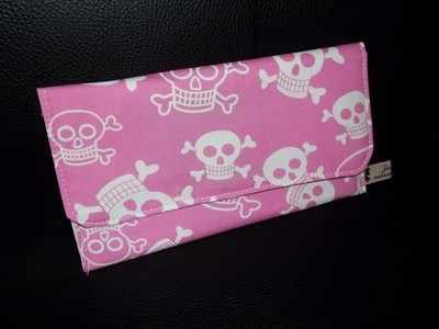Funny bones pink skull rounded purse
