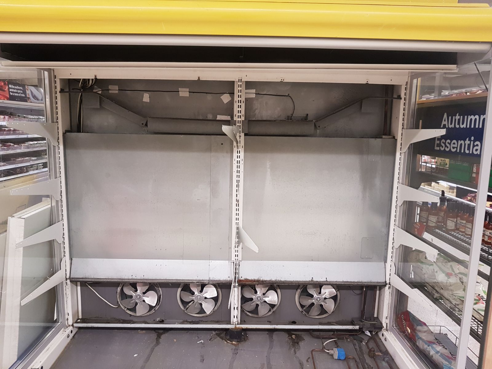 supermarket refrigeration case cleaning