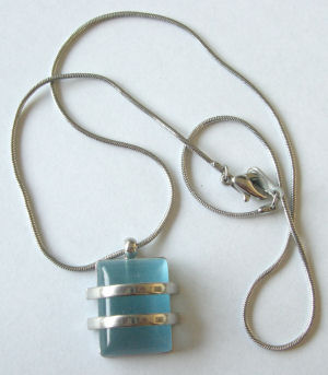 Blue Glass Silver necklace on Chain (BGN204)
