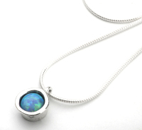 Silver chain with & pendant with round opal - Aviv