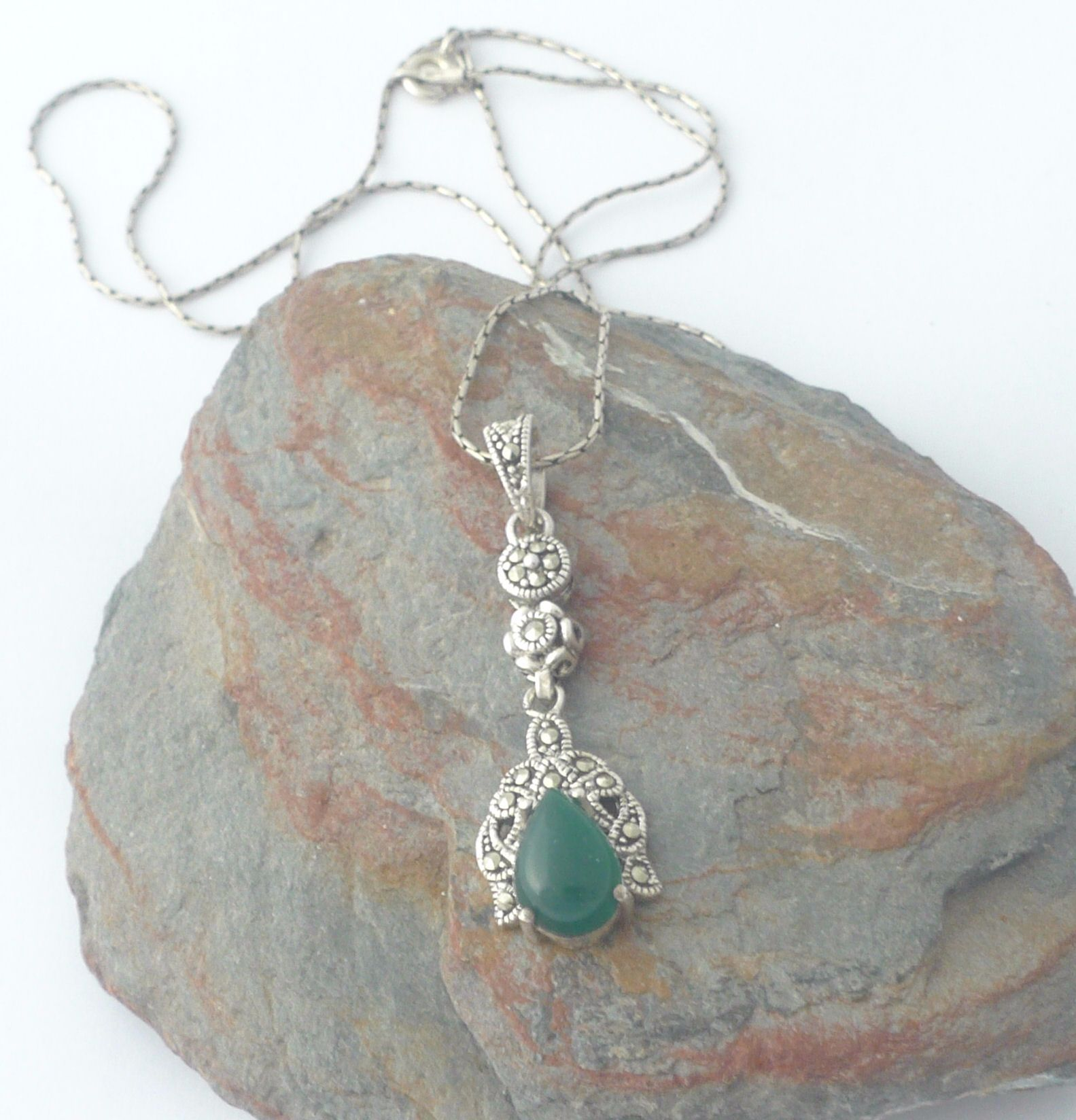 Green Agate silver  Necklace   (J02N)