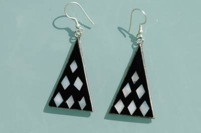 Mexican earrings inlaid with shell (Mex102)