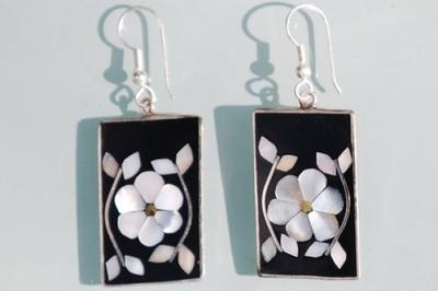 Mexican earrings inlaid with shell (mex10)