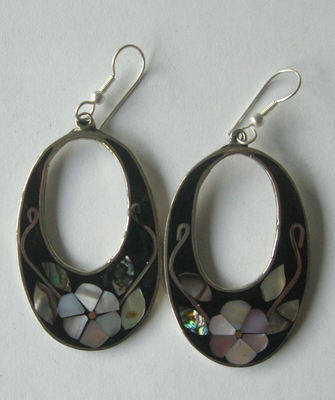 Mexican earrings inlaid with shell (MEX16)