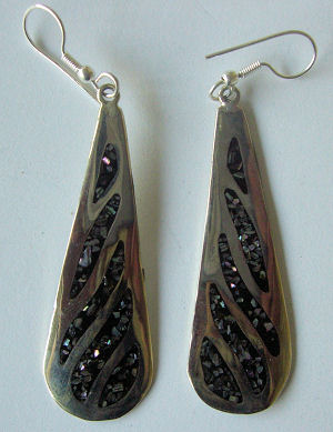 Mexican earrings inlaid with shell (mex32)