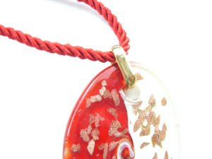 detail red white and gold pendant murano