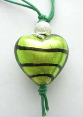 Green heart pendant Murano lampwork (M-Heart-021P)