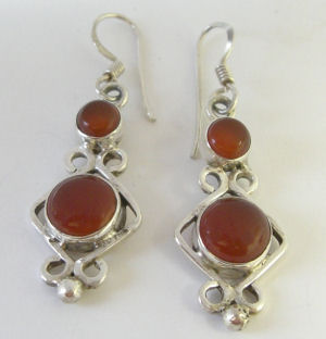 Carnelian patterned silver earrings  (C312187)