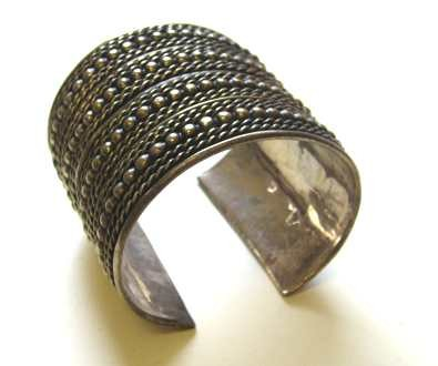Bangle - Metal with robe effect 6cm (DS)