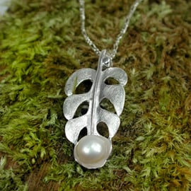 Sterling silver Leaf necklace with ivory  Pearl (NS)