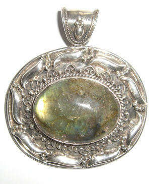 Labradorite Silver Pendant  (LabP33)