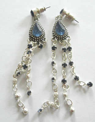Blue & Silver Glass Dangle Stud Earrings (BlGE29)