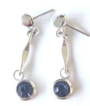 Blue glass silver stud  fashion earrings (BGE203)