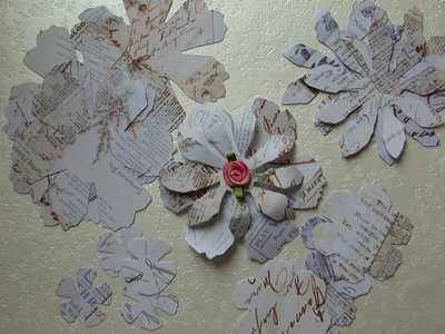 Tim Holtz Tattered Florals, text
