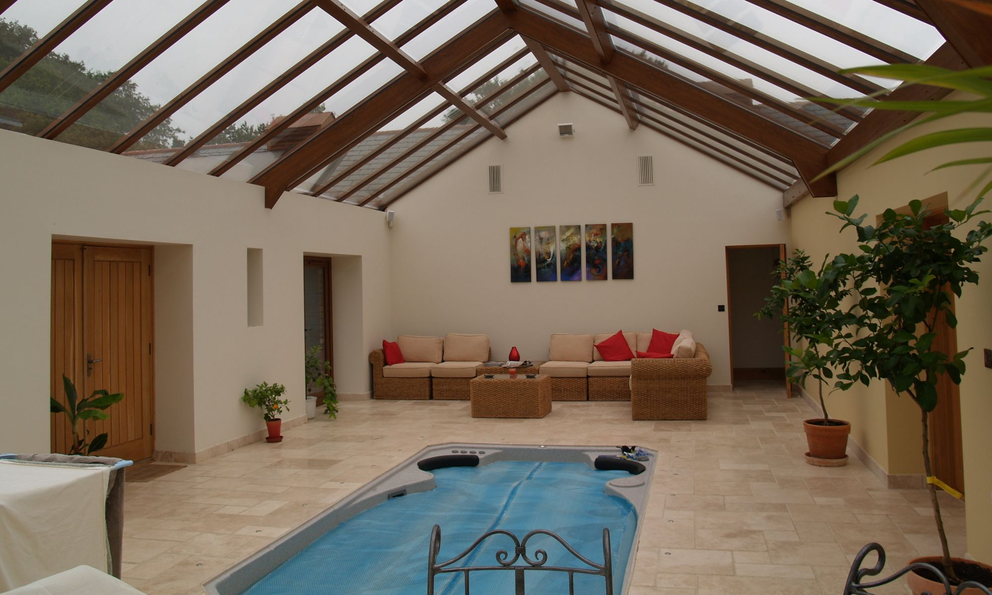 Large Bespoke Conservatory with pool
