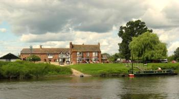 Lower Lode Inn biker Friendly Pub Accommodation Forthampton, Tewkesbury, Gl