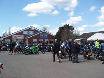 Lynn Raven Cafe, Biker meet, Blessing