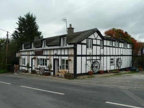 Mid Wales Inn, Biker Friendly, Pant Y Dwr, Rhayader, Powys