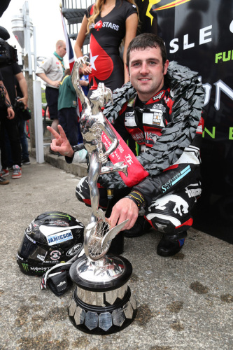 Michael Dunlop shattered his own outright lap record in Friday's Pokerstars